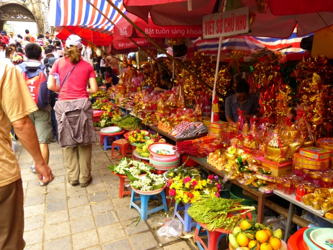Vietnam has no shortage of shopping opportunities, and religious sites are no exception.