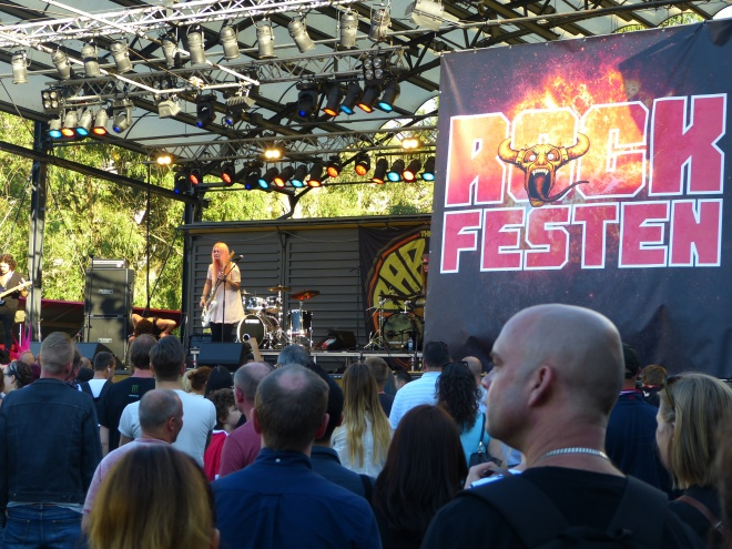 Free rock concert