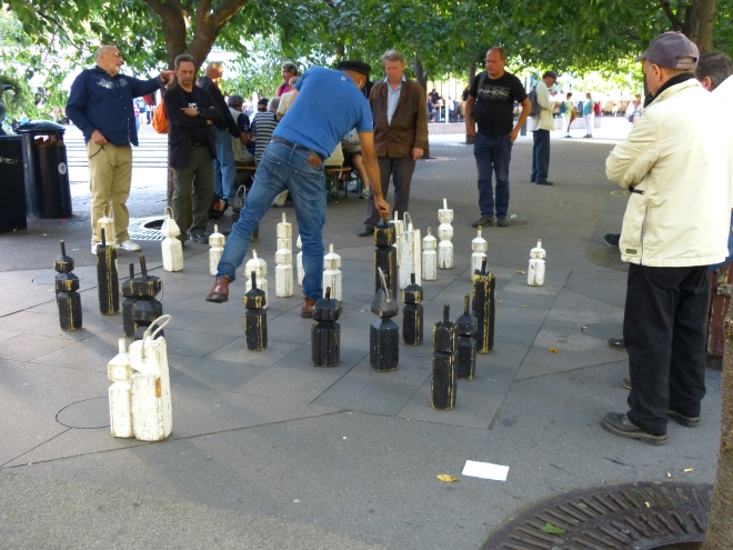 Chess game in the park